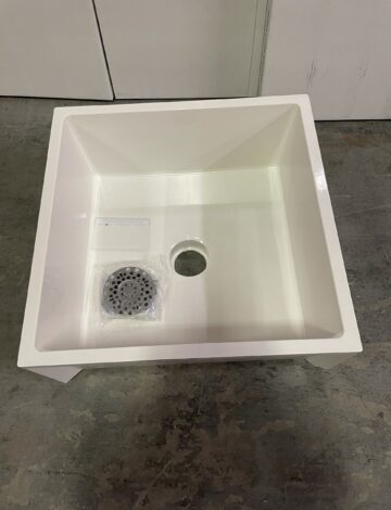Mustee DURASTONE Mop Service Basin. 24 x 24 x 10″. – OPEN BOX